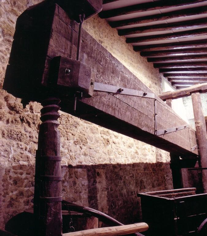 Press of joist and hundredweight of moli de l´hereu