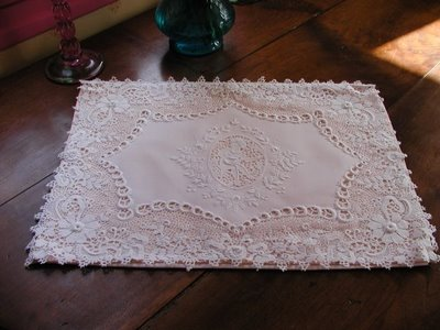 Eliminate the yellowness from lace with olive oil