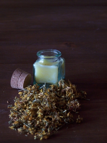 ST. JOHN'S WORT CREAM SOFTNES THE SKIN.