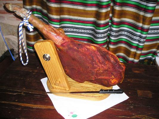 Artisan ham made at homein which you can observe paprika