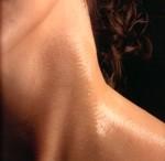 El aceite de oliva tiene propiedades hidratantes muy apreciadas en la cosmetica