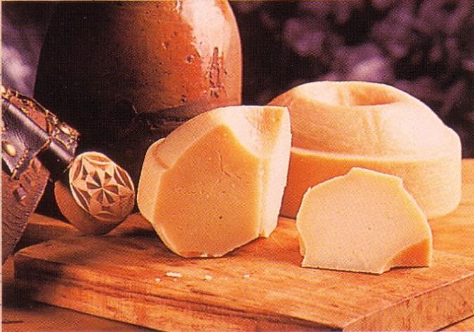 El queso semicurado es una pieza básica de esta receta