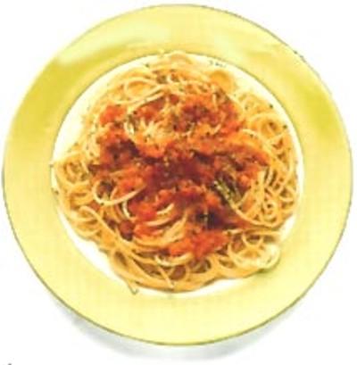 Deliciosas pasta con tomate natural y queso artesano