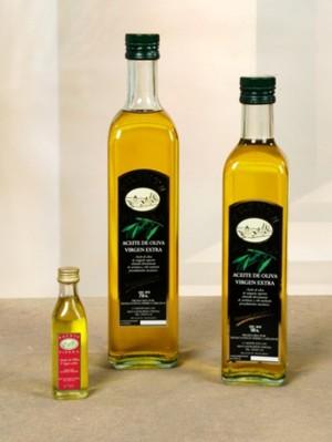 Aceite de oliva envasado en botella de cristal