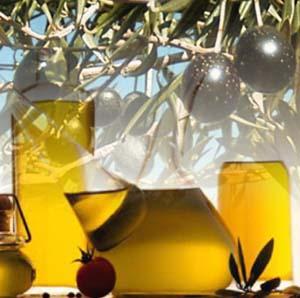 La variedad empeltre, típica del Bajo Aragón, produce un aceite de oliva virgen de un color dorado intenso con sabor suave y aroma dulce.