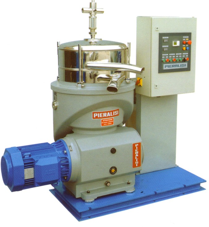 En el proceso de centrifugación el aceite de oliva  es limpiado de las impurezas