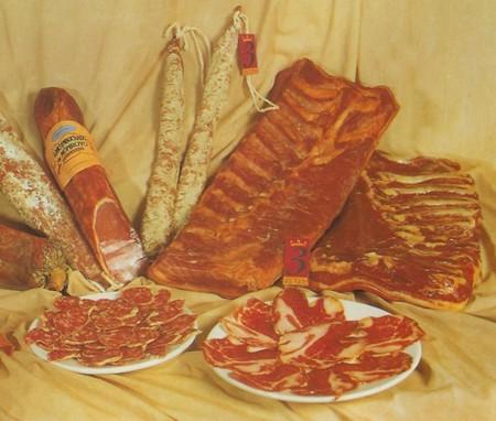 Los embutidos son alimentos incluidos en la dieta mediterránea, pero deben comerse en pequeñas cantidades