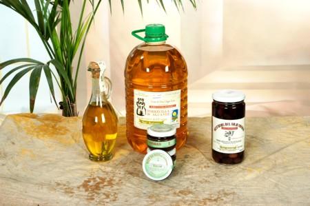 Aceite de oliva, aceitunas y paté de aceitunas ecológico