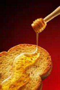 La miel en las tostadas del desayuno, un producto sano para los niños