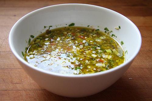 Salsa vinagreta con aceite de oliva virgen