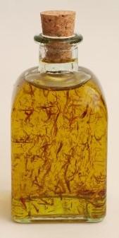 Aceite de oliva virgen extra, aromatizado con azafr�n que le aporta un sabor y un aroma especial