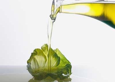 El aceite de oliva virgen extra se extrae simplemente prensando las aceitunas.