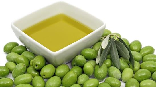 aceite de oliva - Los beneficios de la dieta Mediterránea